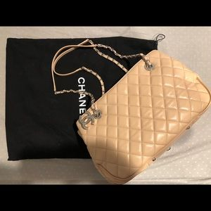 CHANEL QUILTED LAMB SKIN REAL TOTE BAG W/ POCKETS
